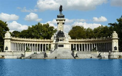 Rolling Around Madrid, Spain: A Wheelchair Travel Guide