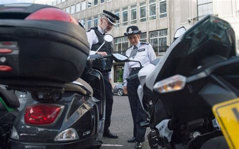 Police chase laws to be reviewed amid fears officers are