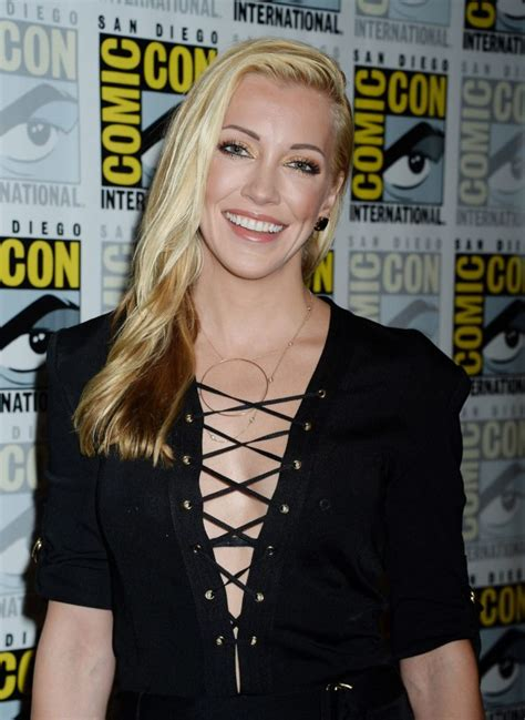 Katie Cassidy Hot In Bikini Unseen New Images & Wallpapers