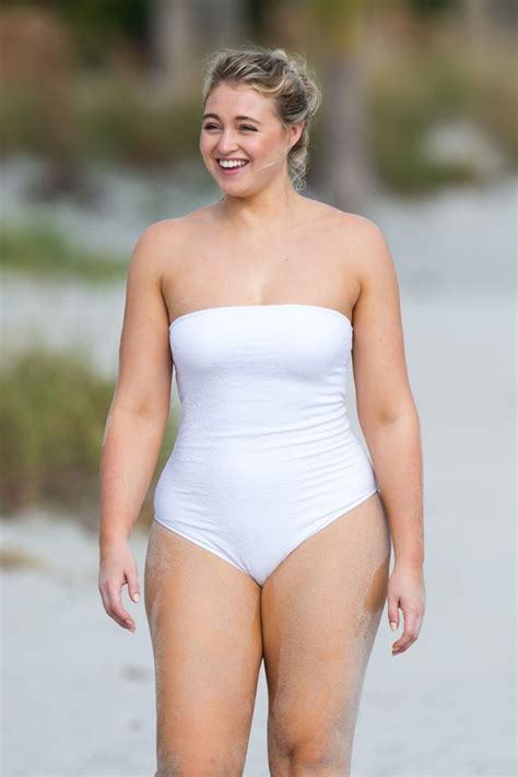 Iskra Lawrence Hot | The Fappening