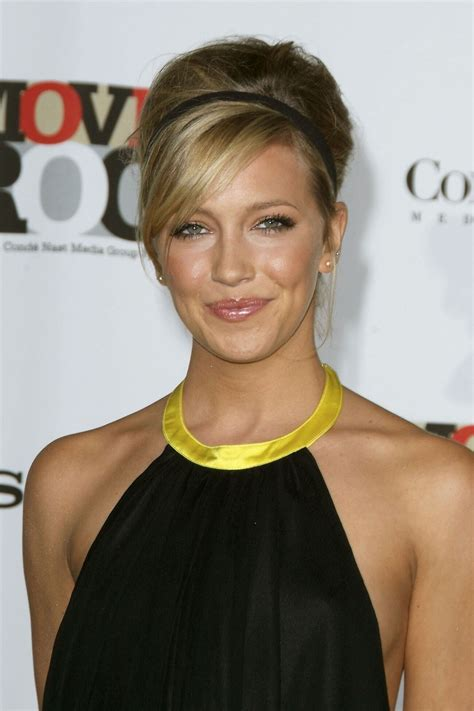 Katie Cassidy | Known people - famous people news and