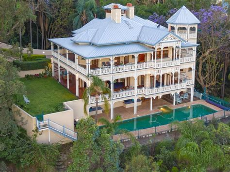 Meet some of Brisbane's grandest homes, with a history to