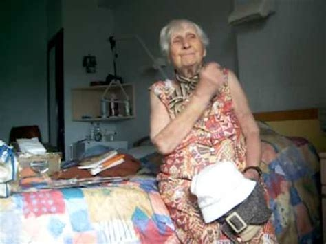 mamie marie 93ans - YouTube