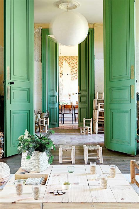 This Old Green Chateau – Honestly WTF